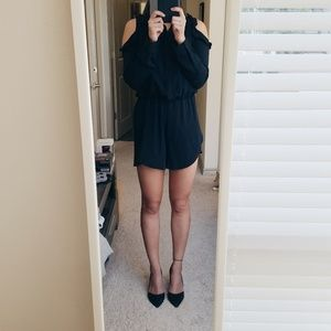 Long Sleeves Cold Shoulder Romper (Black, US 4)